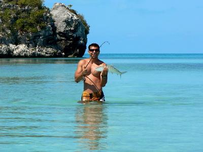 Nice catch.......bonefish on the line!