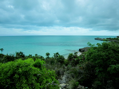 Heavy cloud cover and just a few rain drops but still that wondrous turquoise ocean